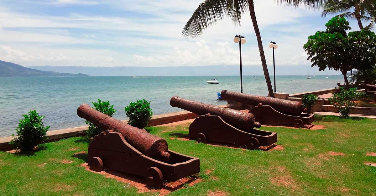 canhoes da vila em ilhabela